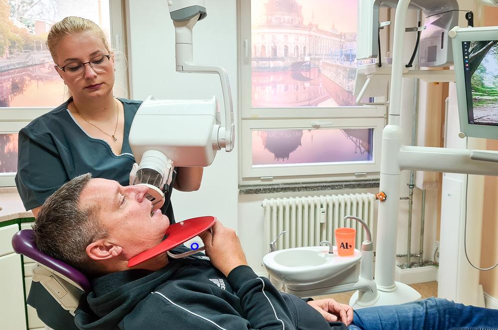 Röntgen Dr. Lindhammer Zahnärztin Berlin